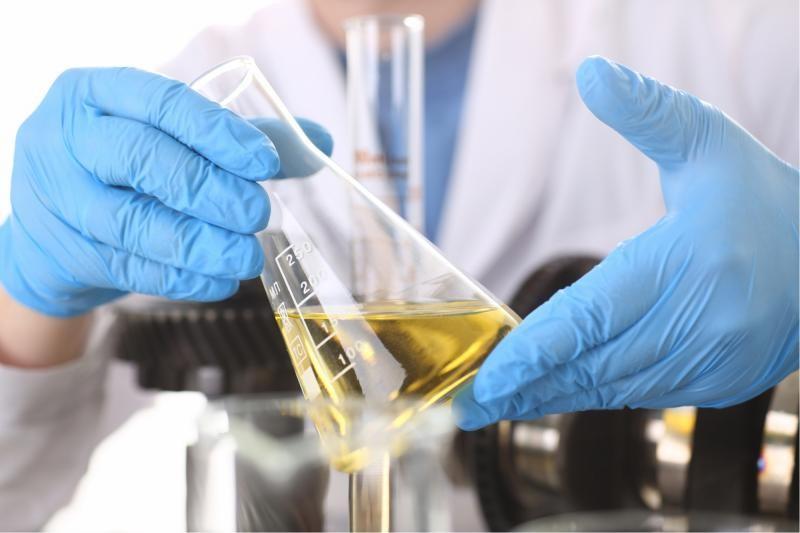 Laboratório de análise de óleo lubrificante